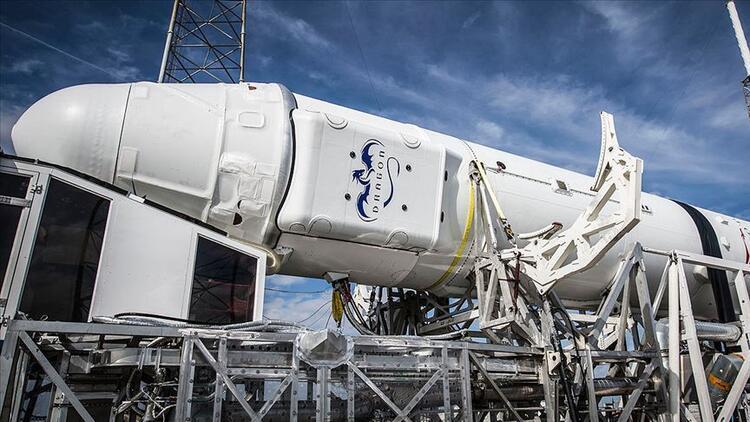 SpaceX'in personel taşıyıcı mekiği yer testinde alev aldı