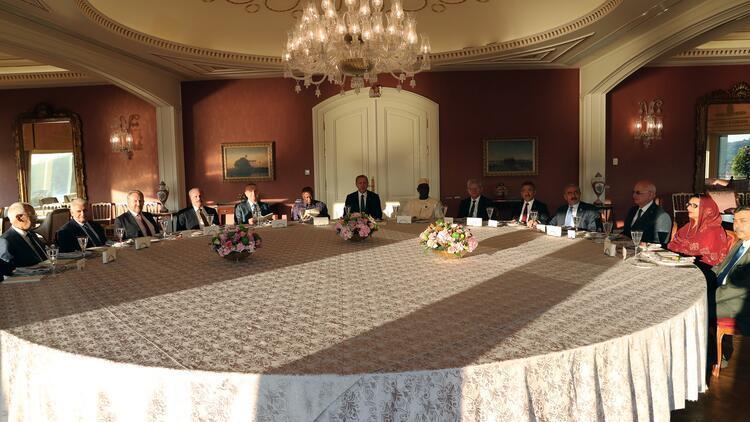 Cumhurbaşkanı Erdoğan'dan yabancı konukları onuruna yemek