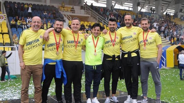 Menemen Belediyespor şampiyonluk kupasını aldı!