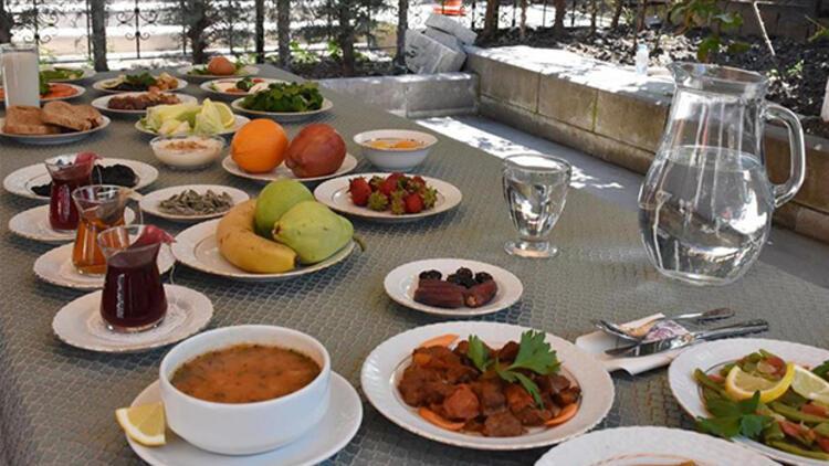 Sahurda hangi besinler tüketilmeli? Pratik ve lezzetli örnek sahur menüsü