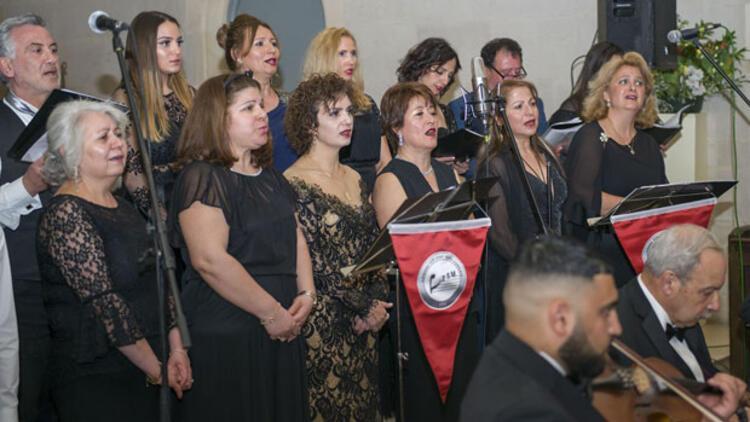 Londra TSM Korosu'ndan kilisede muhteşem konser