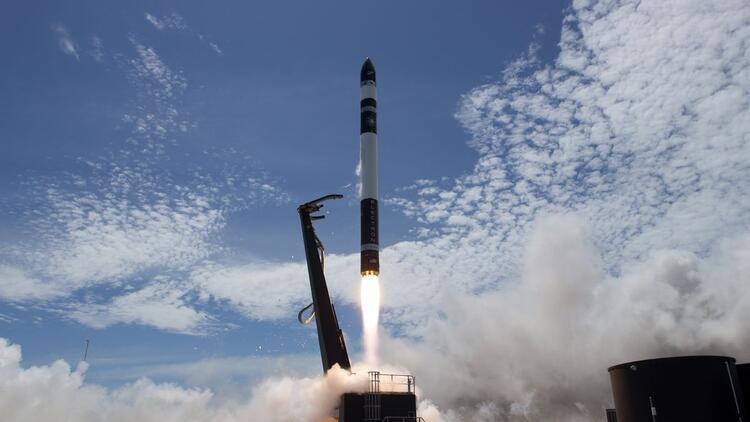 Rocket Lab yörüngeye 3 uydu fırlattı