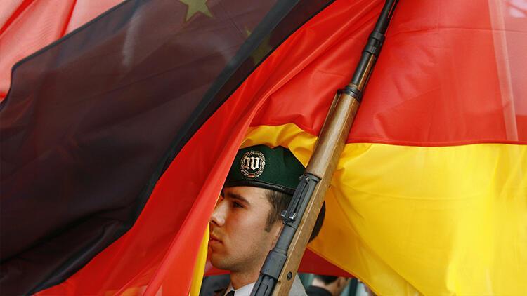 Son dakika... Almanya Irak'taki askeri faaliyetlerini askıya aldı