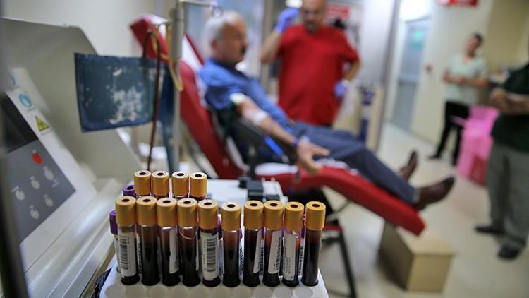 Kan vermek orucu bozar mı? Diyanet cevapladı