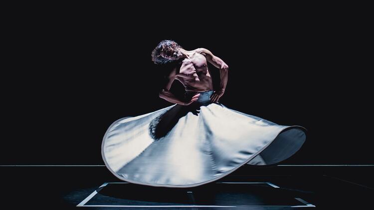 'Olağanüstü Dansçı' Azazi Türkiye'ye geliyor