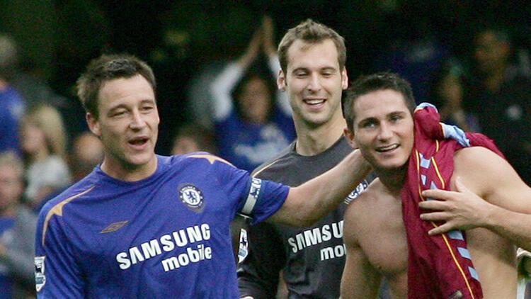 Cech, Chelsea'ye dönüyor! Emekli olacağını açıklamıştı...