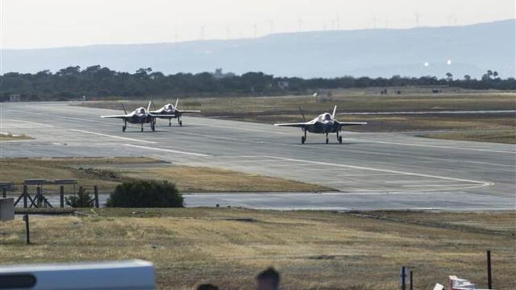 İngiliz Hava Kuvvetleri'ne ait F-35 savaş uçakları Kıbrıs'ta