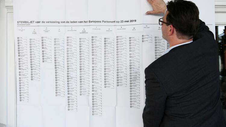 İngiltere ve Hollanda'da AP oylaması başladı