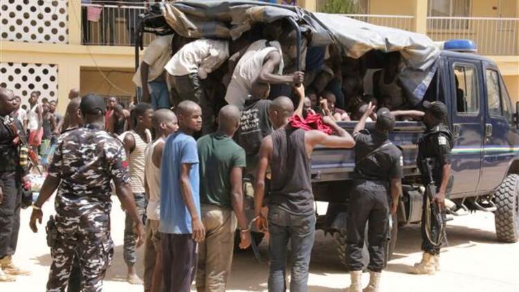 Nijerya'daki çatışmalar nedeniyle binlerce kişi göç etti