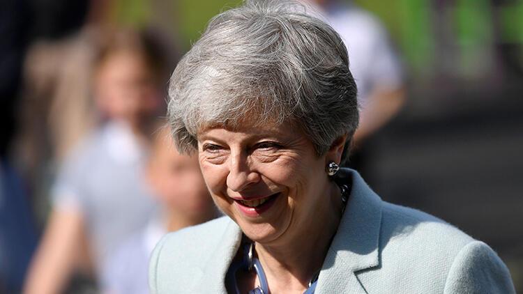 İngiltere Başbakanı Theresa May'in istifa tarihini bugün açıklaması bekleniyor