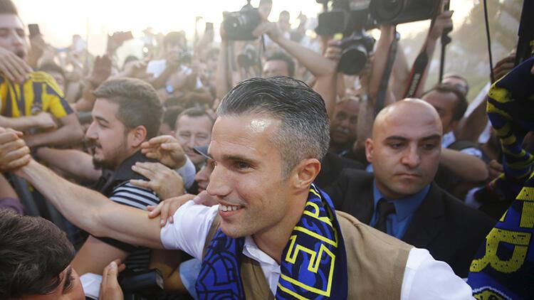 """Robin van Persie: """"Belki de Fenerbahçe'ye gitmemeliydim"""""""
