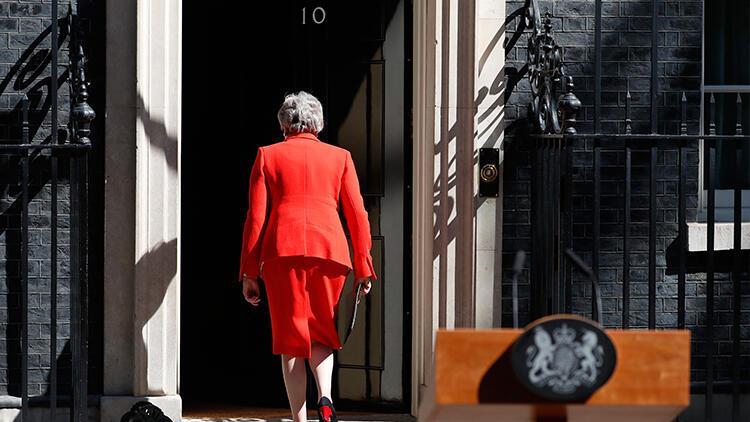 İngiltere'de iktidar partisine AP seçimlerinde hezimet