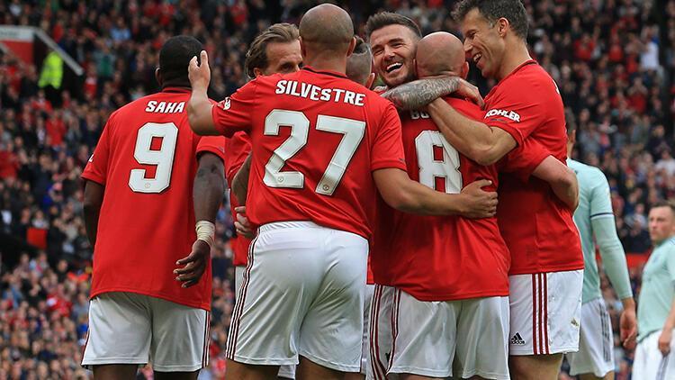 Manchester United'ın efsaneleri Bayern Münih'i farklı yendi