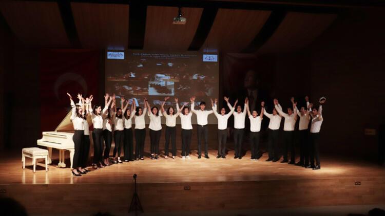Öğrencilerden yıl sonu konseri