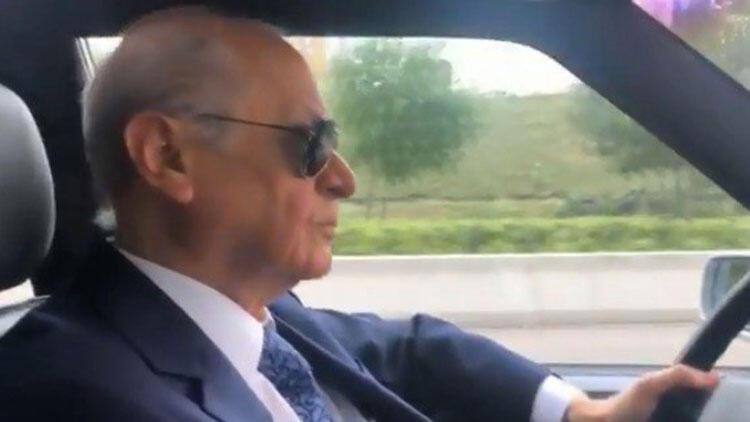 Bahçeli klasik otomobiliyle Ankara'yı turladı