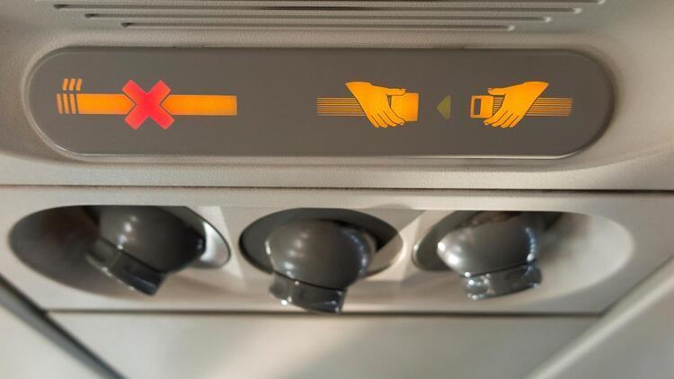 Uçakta sigara krizi tutunca...