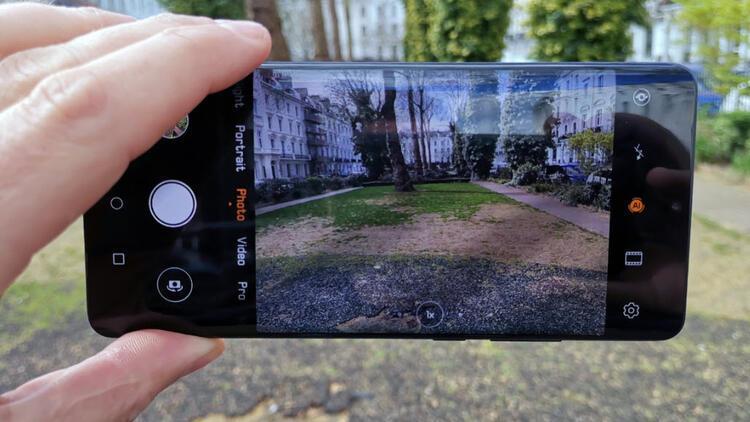 Huawei P30 Pro için çift görüşlü video modu güncellemesi