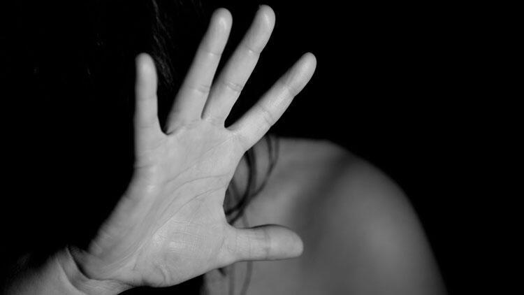 Tacizci olduğu iddia edilen şahsın sözleri genç kızı gözyaşlarına boğdu