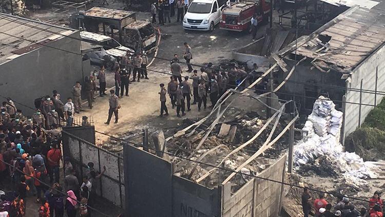 Son dakika... Endonezya'da fabrika yangını: Onlarca ölü var