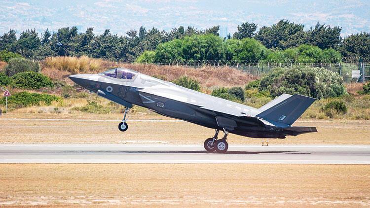 F-35 ile S-400 yan yana geldi