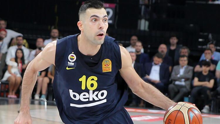 Barcelona Fenerbahçeli Sloukasa talip oldu