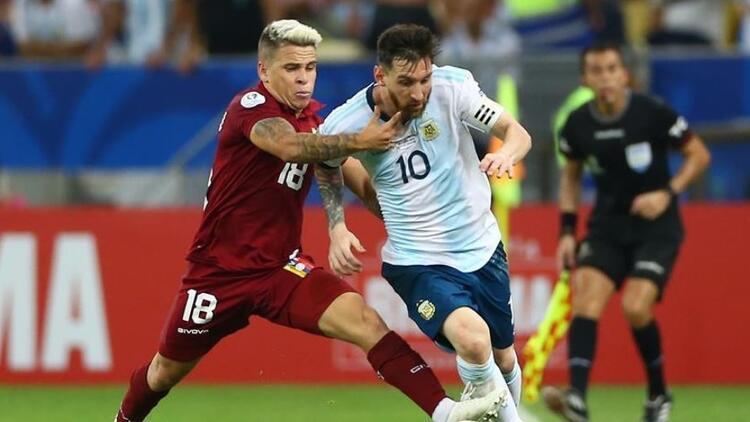 Venezuela'yı 2-0 yenen Arjantin adını yarı finale yazdırdı