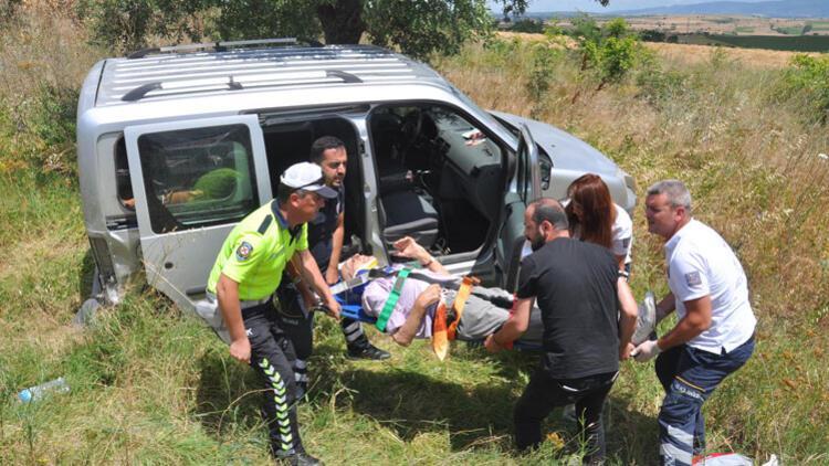 Malkara'da hafif ticari araçla otomobil çarpıştı: 10 yaralı