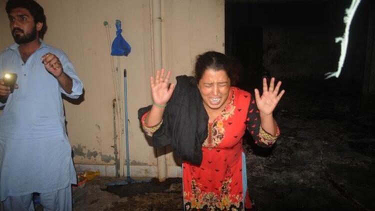 Pakistan'da aile katliamı: 9 ölü