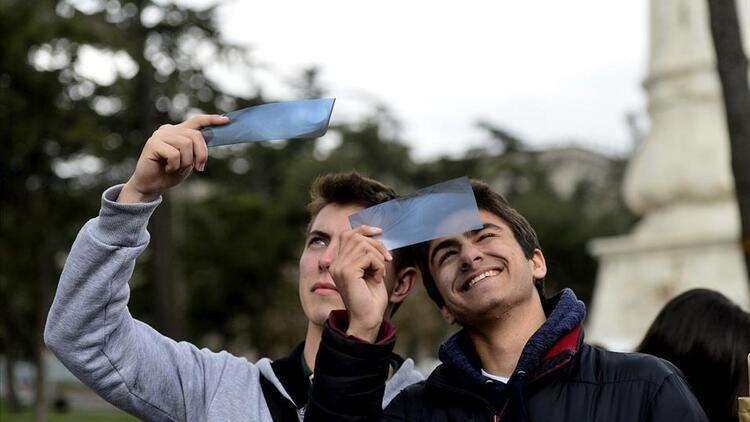 Güneş tutulması saat kaçta gerçekleşecek? Güneş tutulması Türkiye'den izlenebilecek mi?