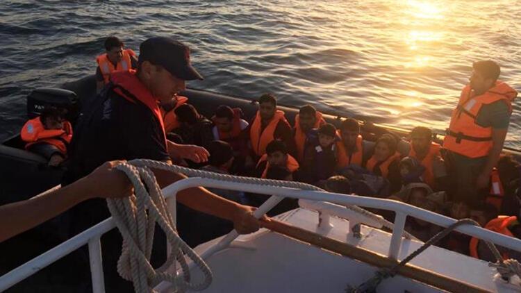 Edirne'de, lastik botlarda 66 kaçak yakalandı