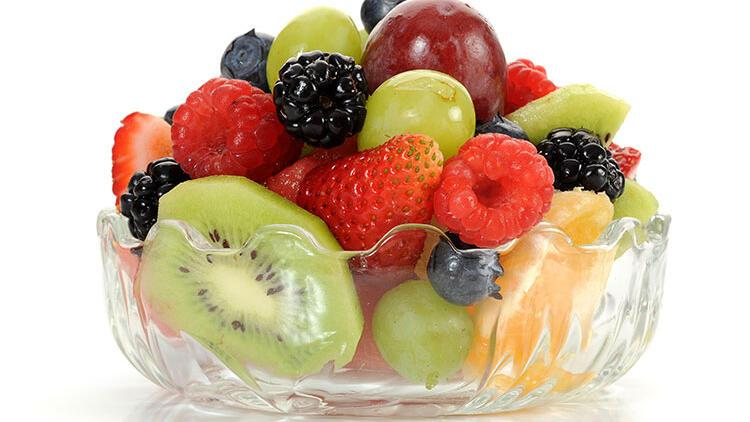 Yaz meyveleri salatası tarifi