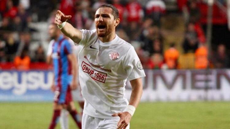 Antalyaspor, kaptanıyla yolları ayırıyor!   Transfer haberleri...