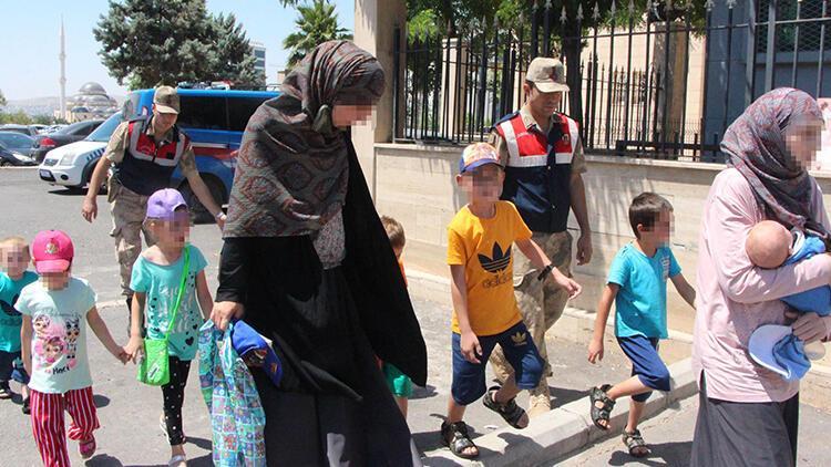 DEAŞ'lı Rus kadınlar, 9 çocukla sınırda yakalandı