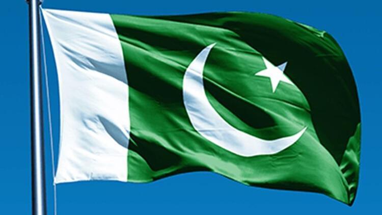 Pakistan'da bot alabora oldu