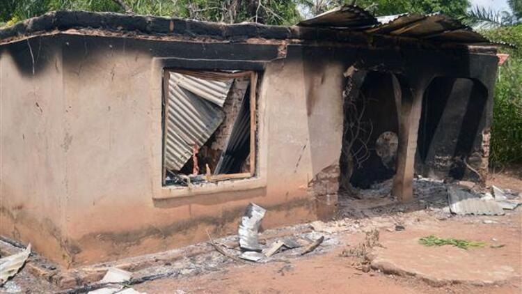 Nijerya'da silahlı çete üyesi 20 kişi öldürüldü
