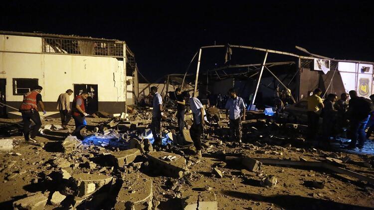 Son dakika... Libya'daki göçmen merkezi saldırısına peş peşe tepkiler