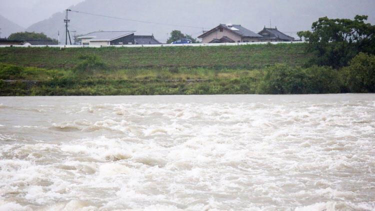 Japonya alarmda! Perşembe gününe kadar 1 milyon kişi tahliye edilecek