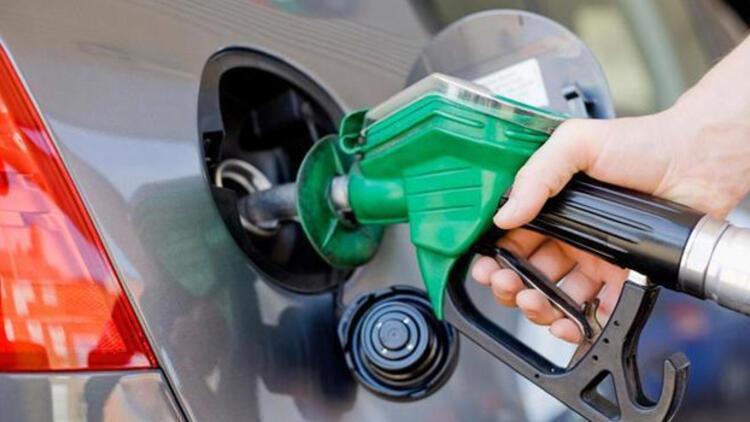 Benzin fiyatları yarından itibaren indirimli