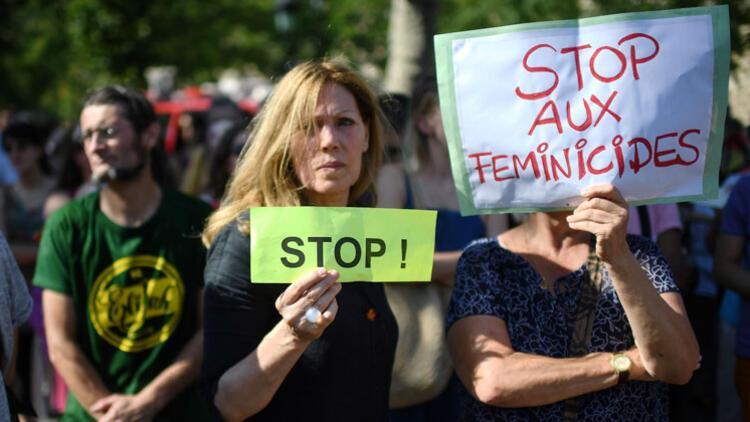 Kadına şiddet Paris'te protesto edildi