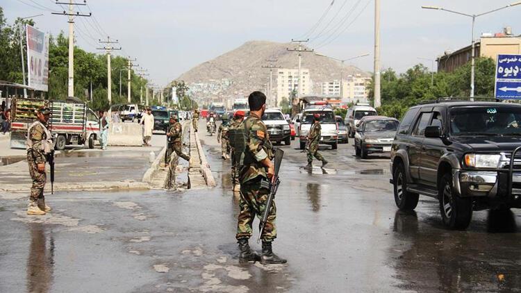 Afganistan'da bomba yüklü araçla saldırı: Çok sayıda ölü var