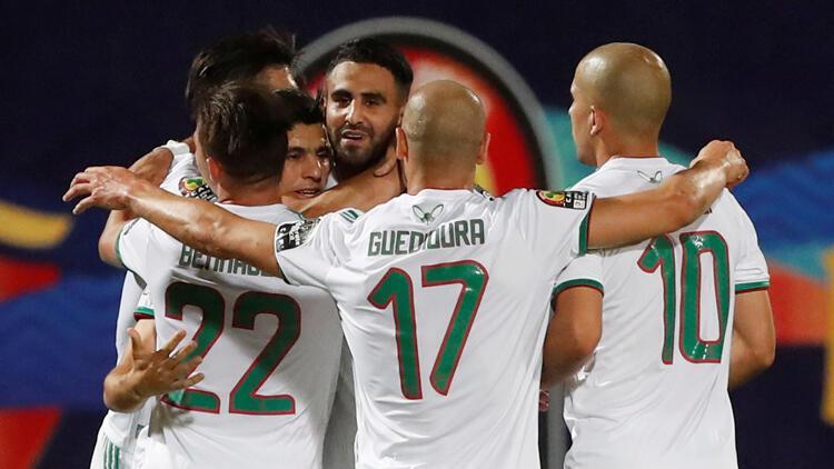 Gine'yi 3-0 yenen Cezayir, çeyrek finale çıktı