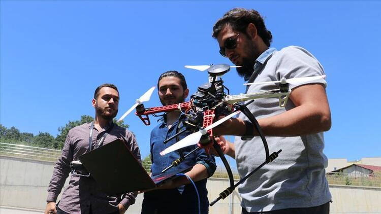 Anahtarlıkların geliriyle drone yaptılar