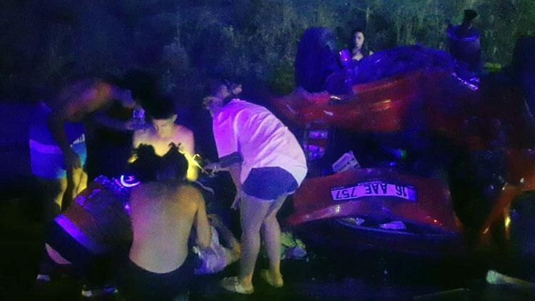 Bursa'da feci kaza: 1 ölü 11 yaralı
