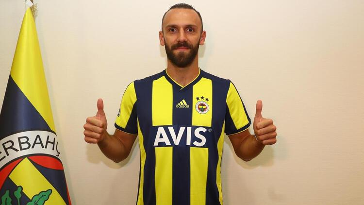 Vedat Muriç, formayı giydi! İşte Kosovalı golcünün ilk sözleri