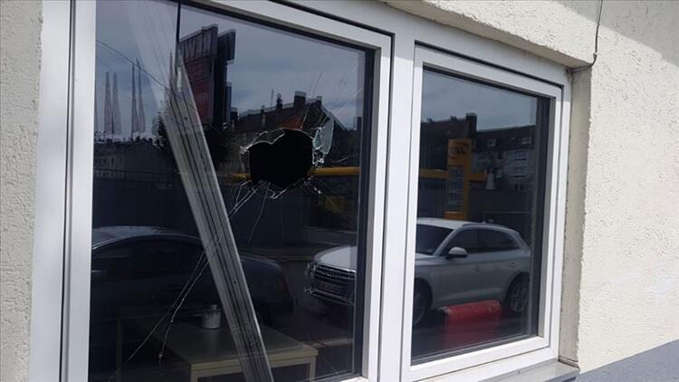 Almanya ve Hollanda'da camilere saldırı