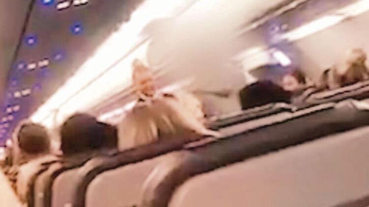 Uçaktan atıldılar