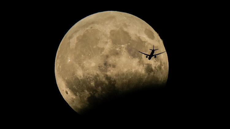 Ay Tutulması saat kaçta? Ay tutulması Türkiye'den izlenecek mi?