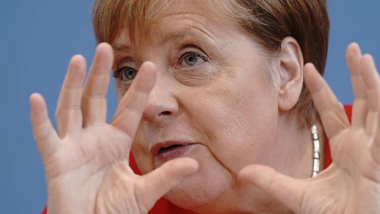 Merkel: Ekonomik yavaşlamanın nedeni 'savaş'