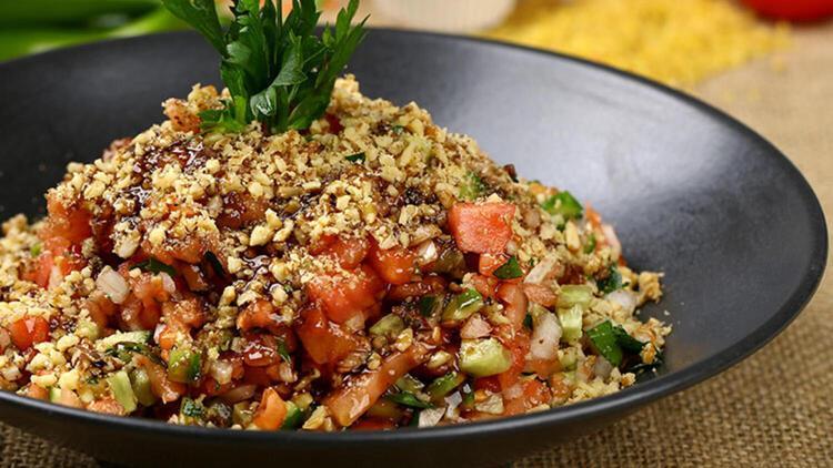 Gavurdağ salatası nasıl yapılır? İşte yapımı kolay gavurdağ salatası tarifi