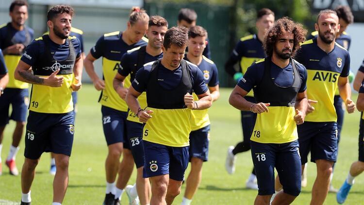 Fenerbahçe'de yeni sezon hazırlıkları devam ediyor